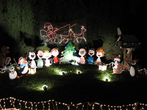 christmas outdoor decorations - Snoopy Christmas Yard Decorations